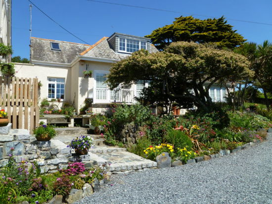 Luxury holiday cottage with seaviews Pldhu, Mullion, Lizard, Cornwall